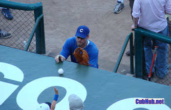 Kerry Wood caught in an act of kindness